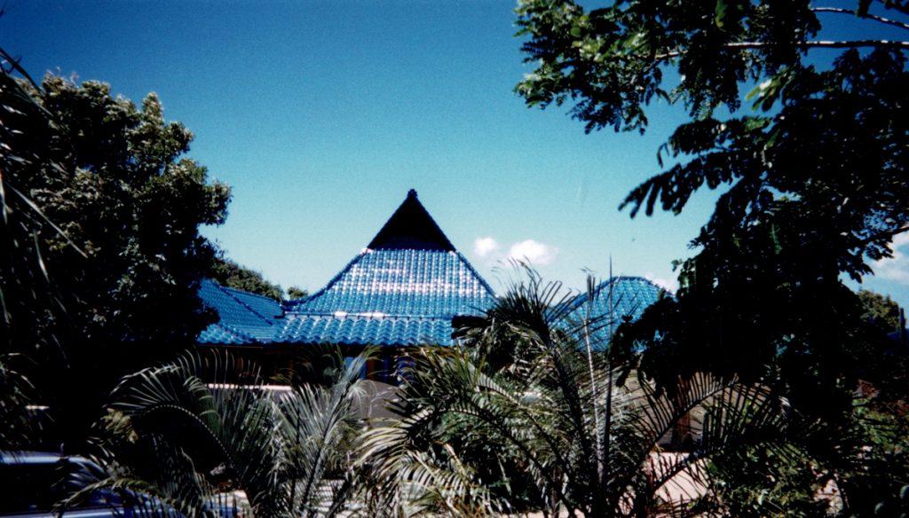 Maui blue roof 2